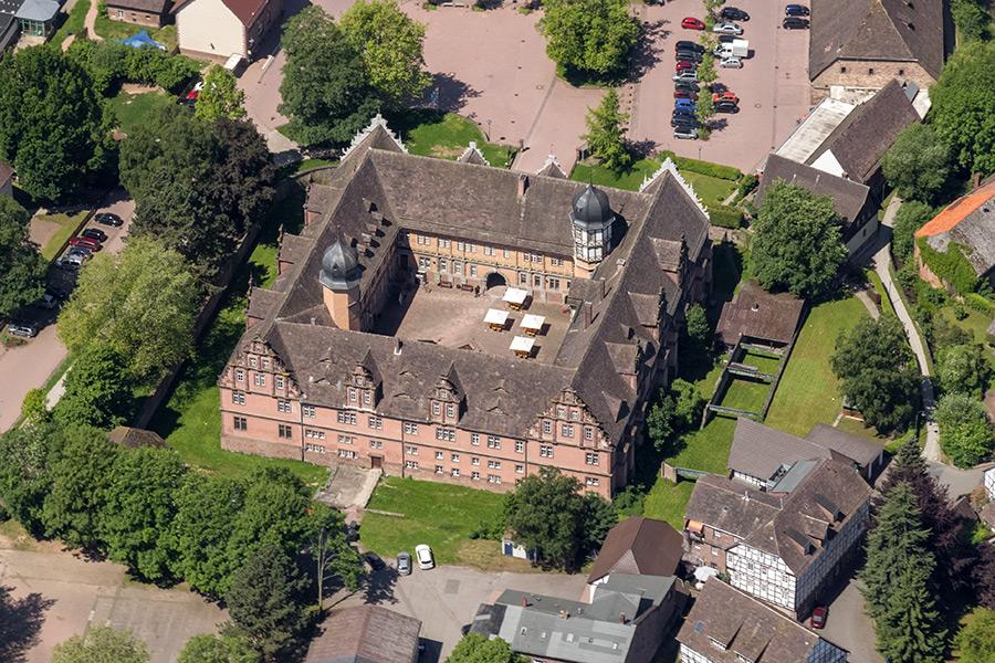 Luftbild Schloss Bevern | Sándor Kotyrba Fotografie