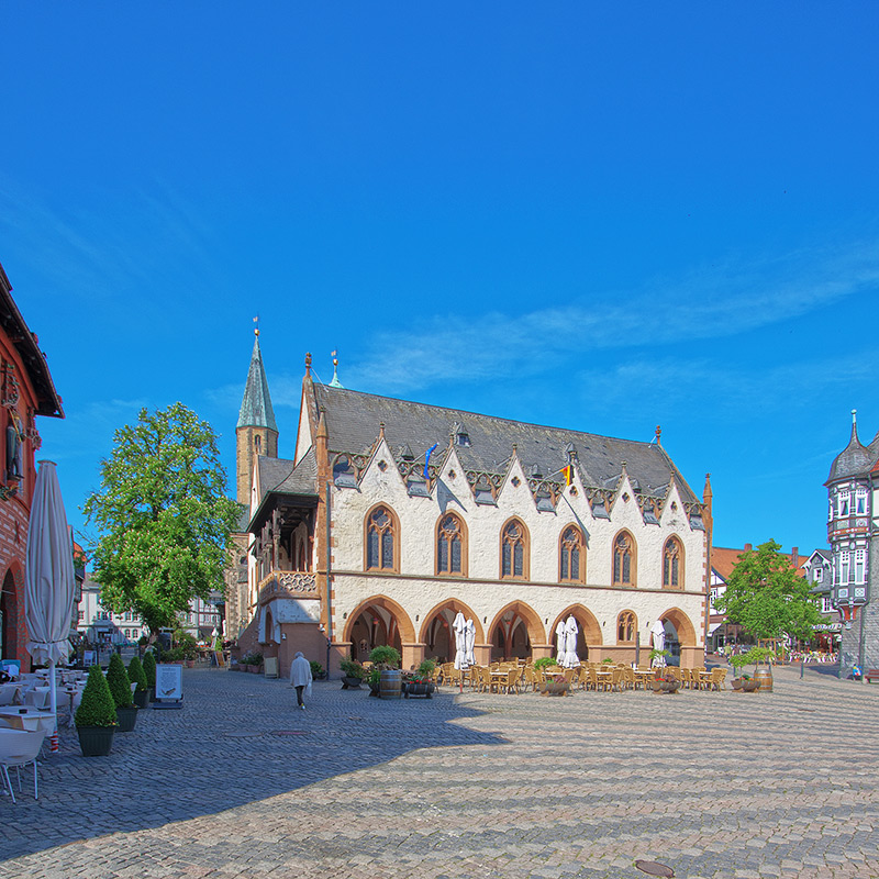 Südansicht Rathaus Goslar (#3795) | Architekturfotografie Sándor Kotyrba