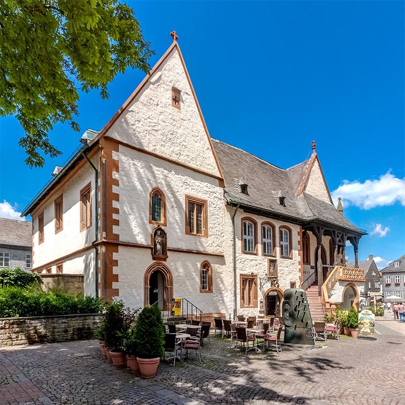 Südansicht Rathaus Goslar (#8845) | Architekturfotografie Sándor Kotyrba