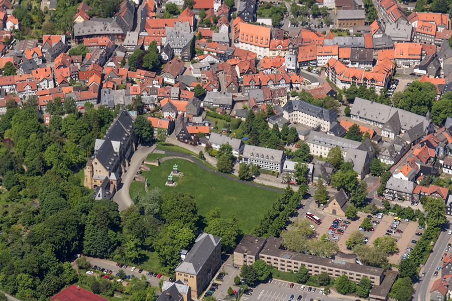 Luftbild Kaiserpfalz Goslar | Sándor Kotyrba