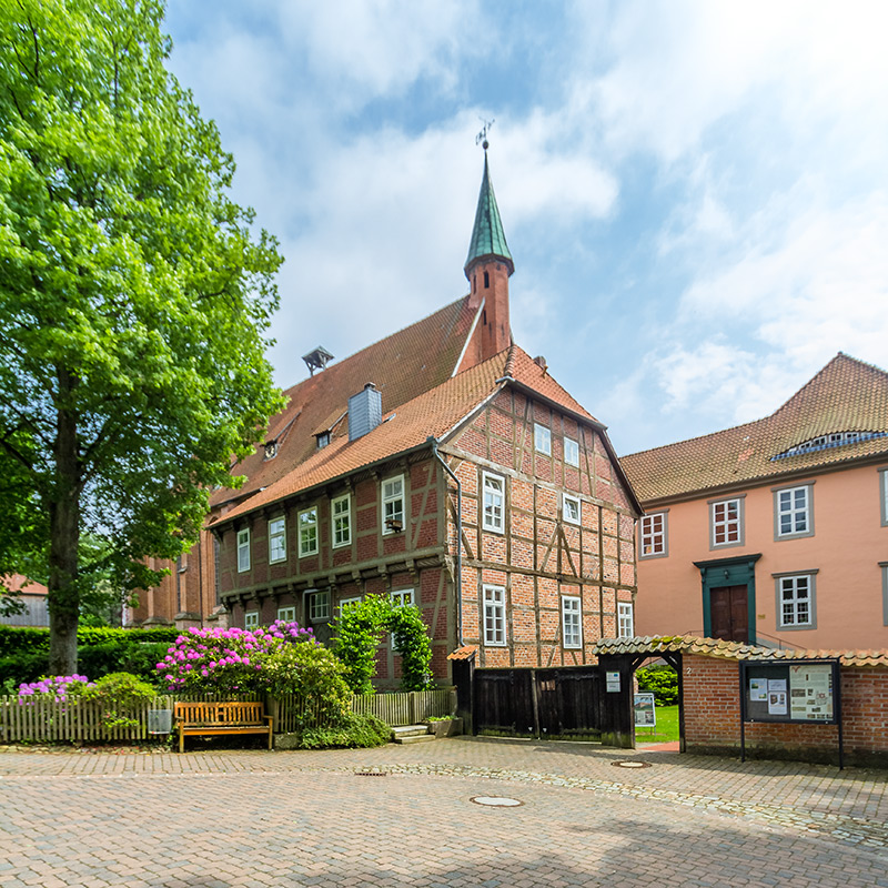 Isenhagen, Kloster