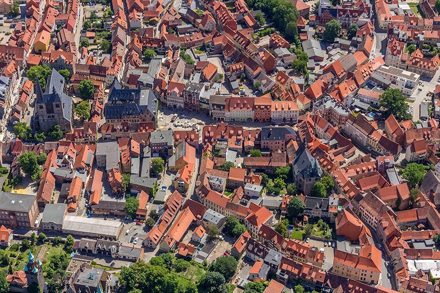 Luftbild Quedlinburg | Markt mit Rathaus
