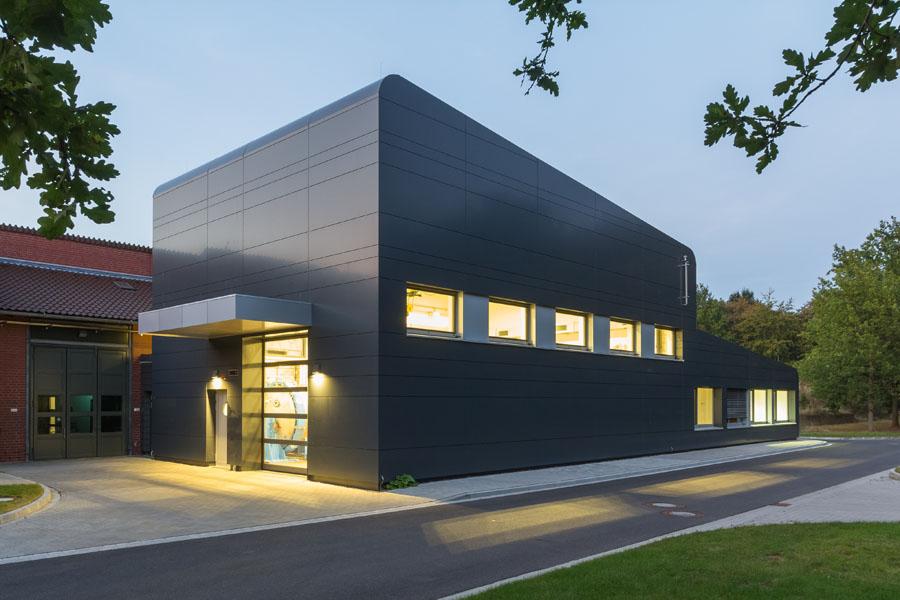 Architekturfotografie Braunschweig, Gebäude der Sicherheutstechnik | Sándor Kotyrba Fotografie