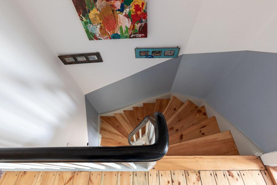 Kotyrba Architekturfotografie Berlin | Bruno-Taut-Haus, Blick ins Treppenhaus