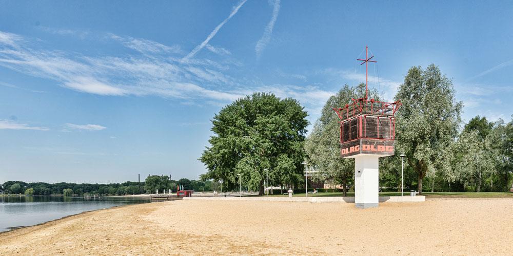 Allerpark Wolfsburg, DLRG-Wachturm | Sándor Kotyrba Architekturfotografie