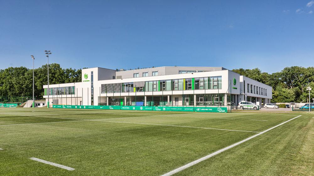 Allerpark Wolfsburg, Trainingsgelände | Sándor Kotyrba Architekturfotografie