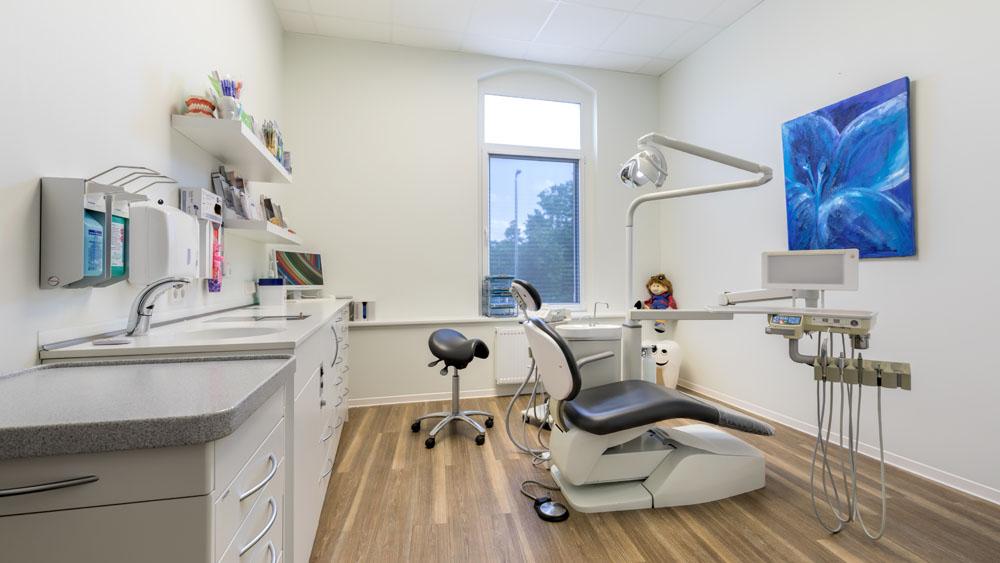 Fotografie Behandlungszimmer | Arztpraxis Dr. Steffan Miersch Braunschweig (#424A0785)
