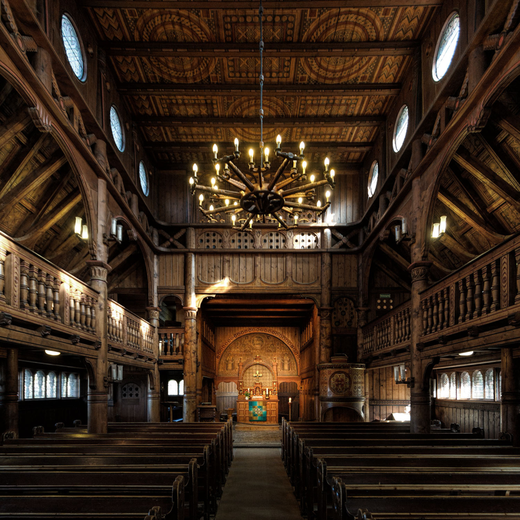 Langhaus Stabkirche Hahnenklee | Architekturfotografie Sándor Kotyrba