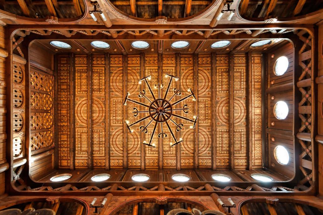 Deckenansicht Stabkirche Hahnenklee | Architekturfotografie Sándor Kotyrba
