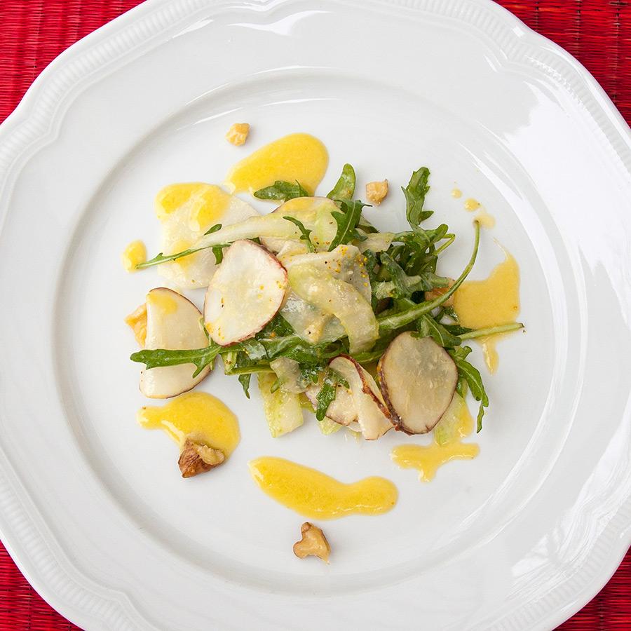 Topinambur-Kohlrabi-Salat | Objektfotografie Sándor Kotyrba