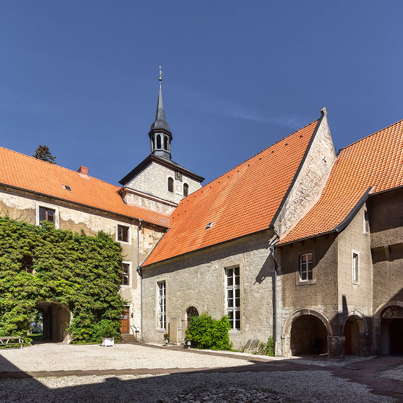 Südostansicht Kapelle Kommende Lucklum | Architekturfotografie Sándor Kotyrba